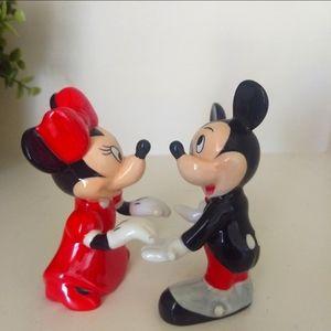 Disney Mickey & Minnie Mouse Salt Pepper Shakers